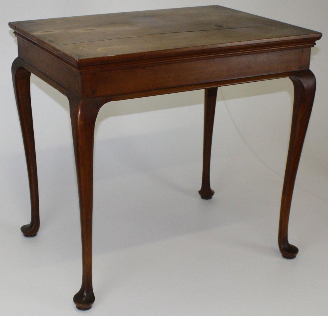 Fine Eastern Mass Queen Anne cherry tea table