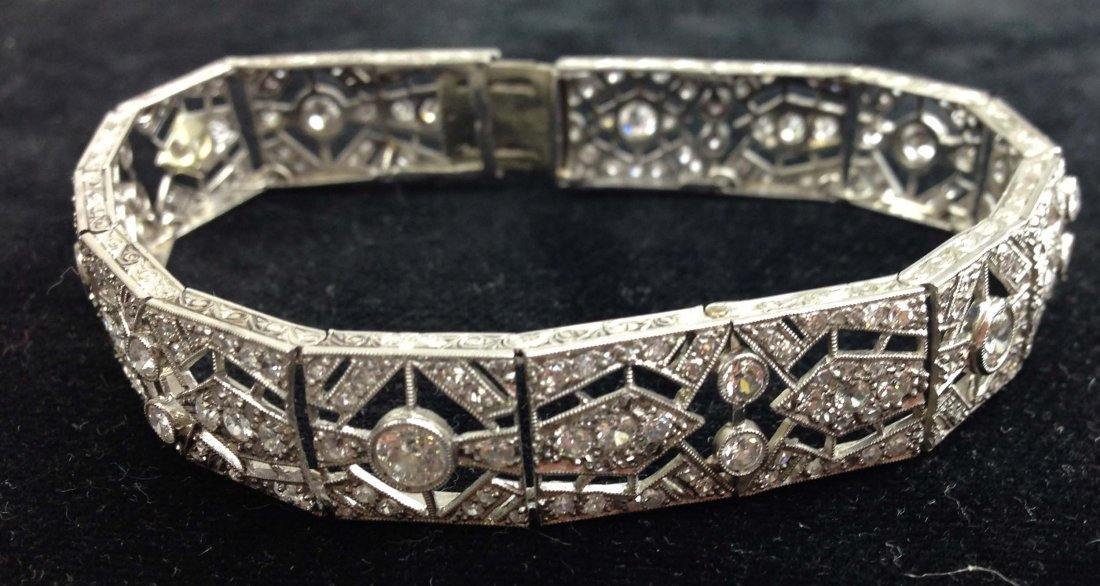 Edwardian platinum and diamond bracelet having over 300