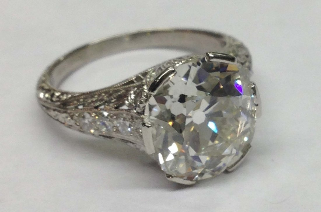 Outstanding 5.63 ct. brilliant old mine cut diamonds