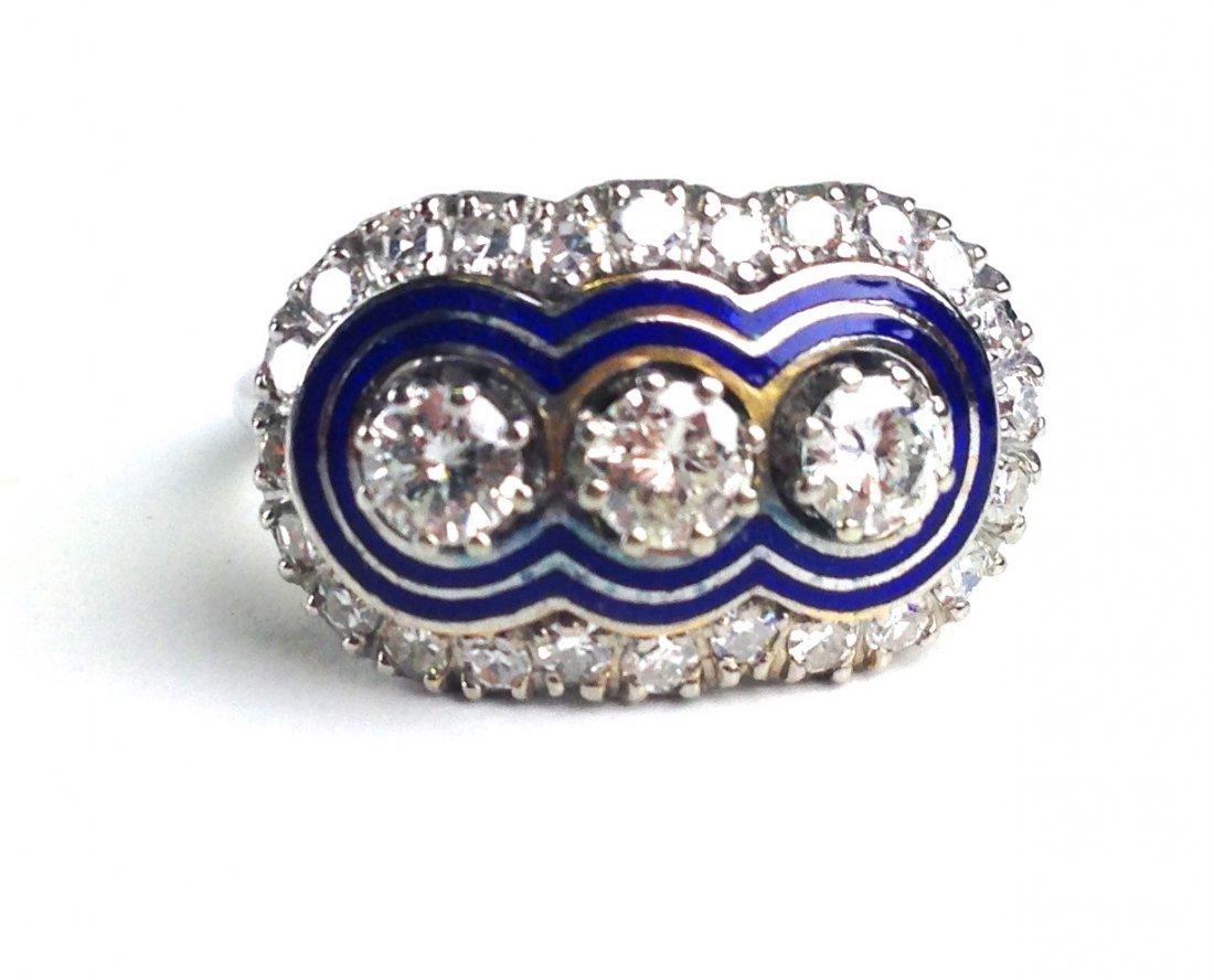 18k white gold ladies cocktail diamond ring having 3