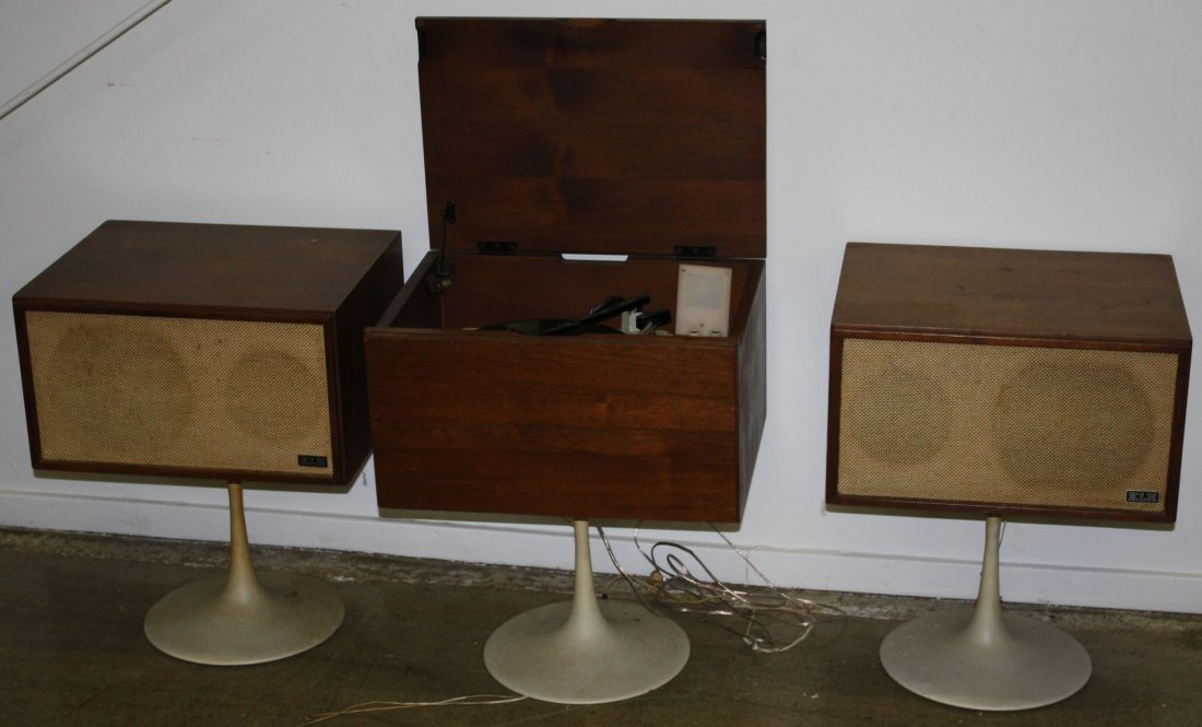 KLH Model 20 three piece turntable with walnut case and