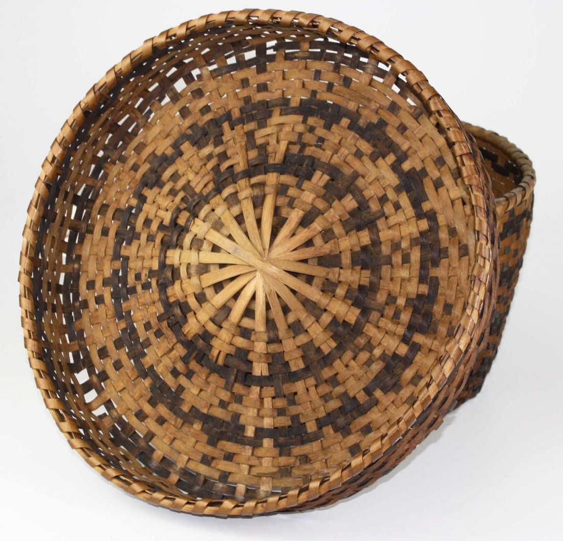 late 19th c Eastern Woodlands covered basket, probably - 3