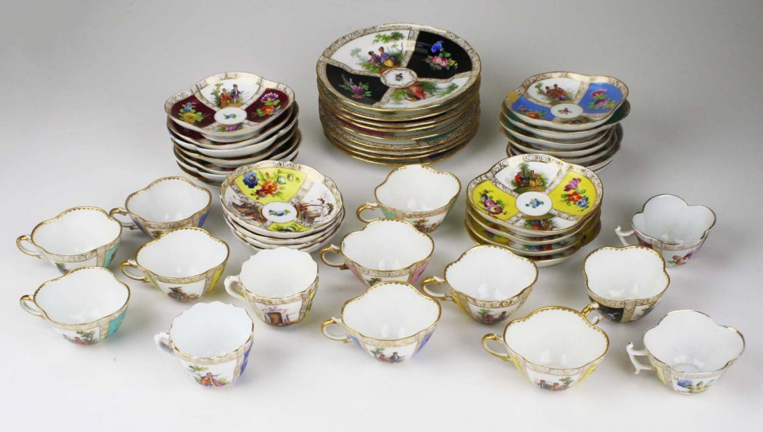 approx 44 pcs 19th c. Meissen and 20th c. Dresden - 2