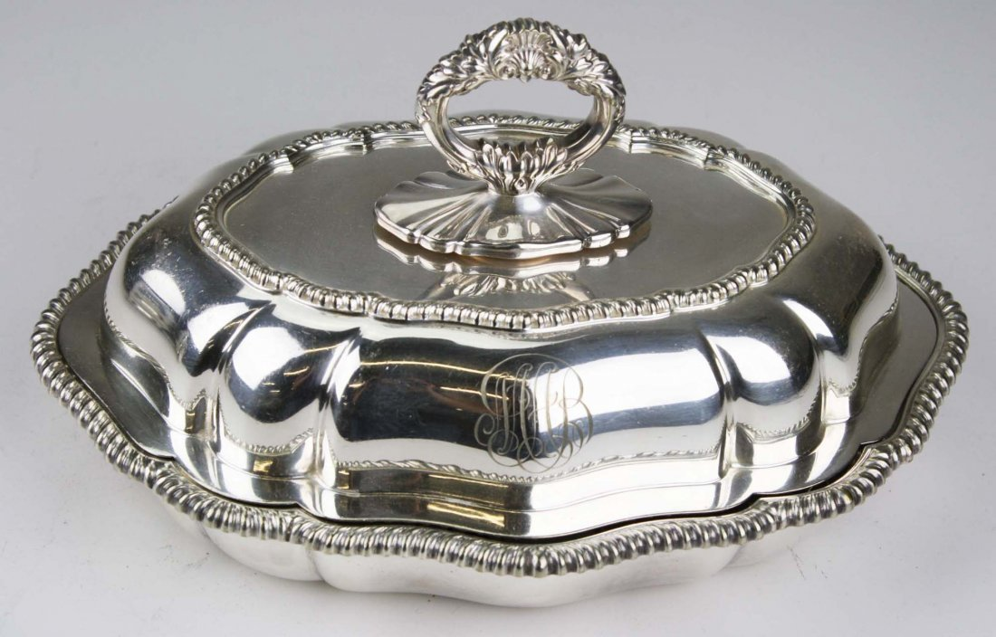 Tiffany & Co. heavy silver plated scalloped oval - 2