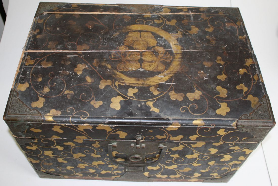 Japanese Edo Period valuables box with gilt laquered - 3