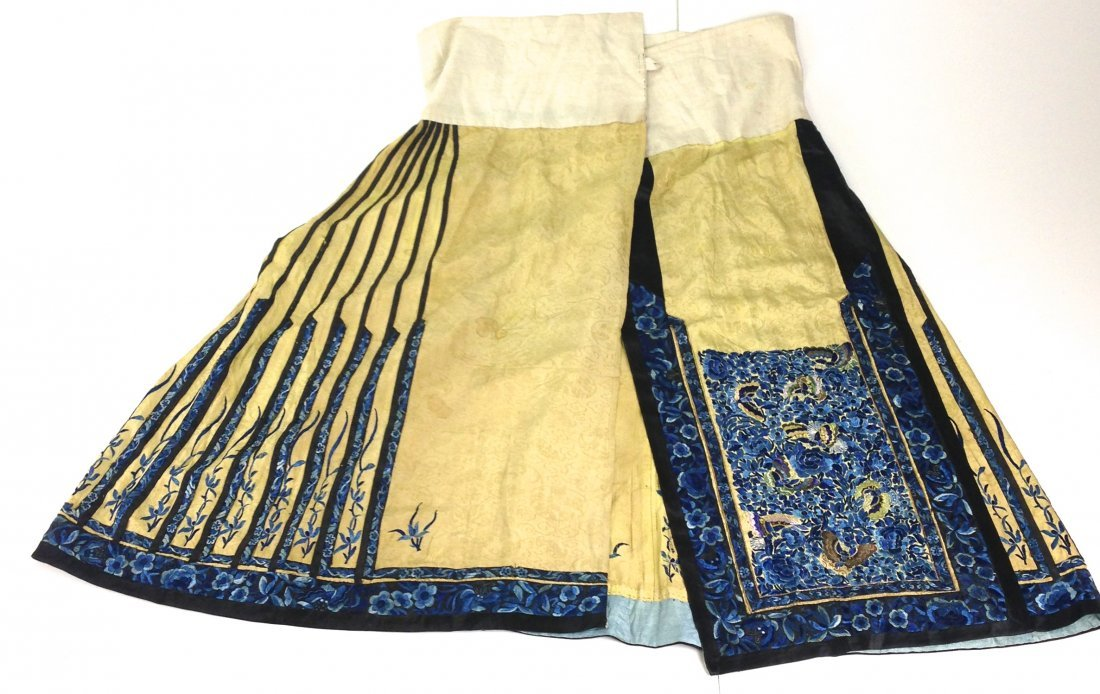 Elaborate Chinese Qing Dynasty silk embroidered sild - 4