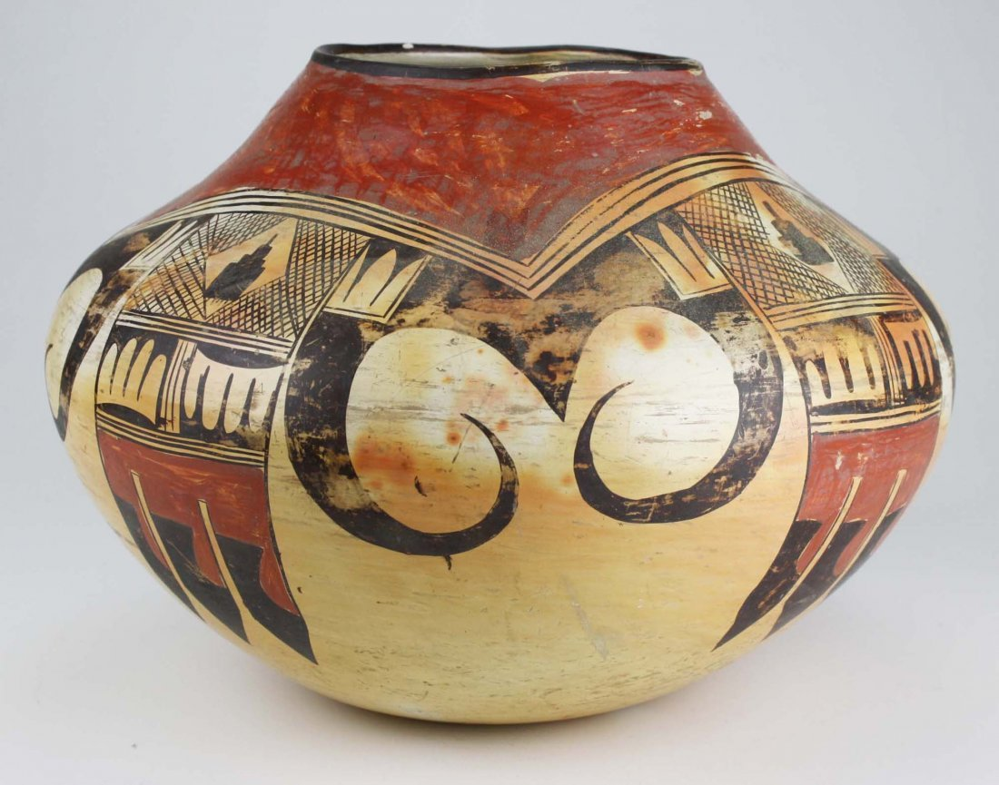 early 20th c Hopi or Zuni Pueblo three color olla - 4