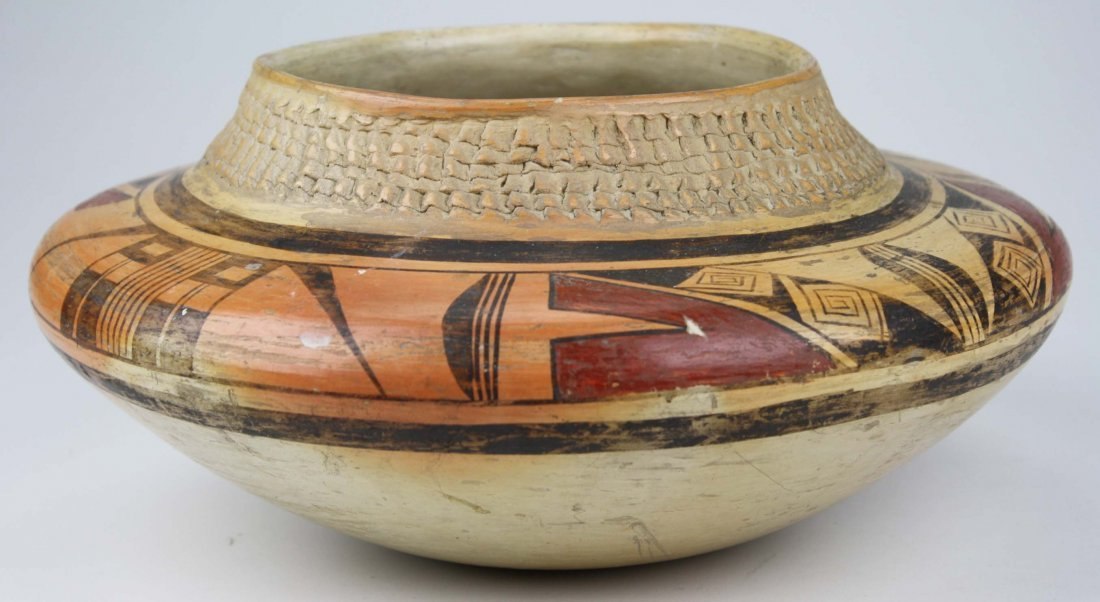 early 20th c Zuni Pueblo three color olla with coiled