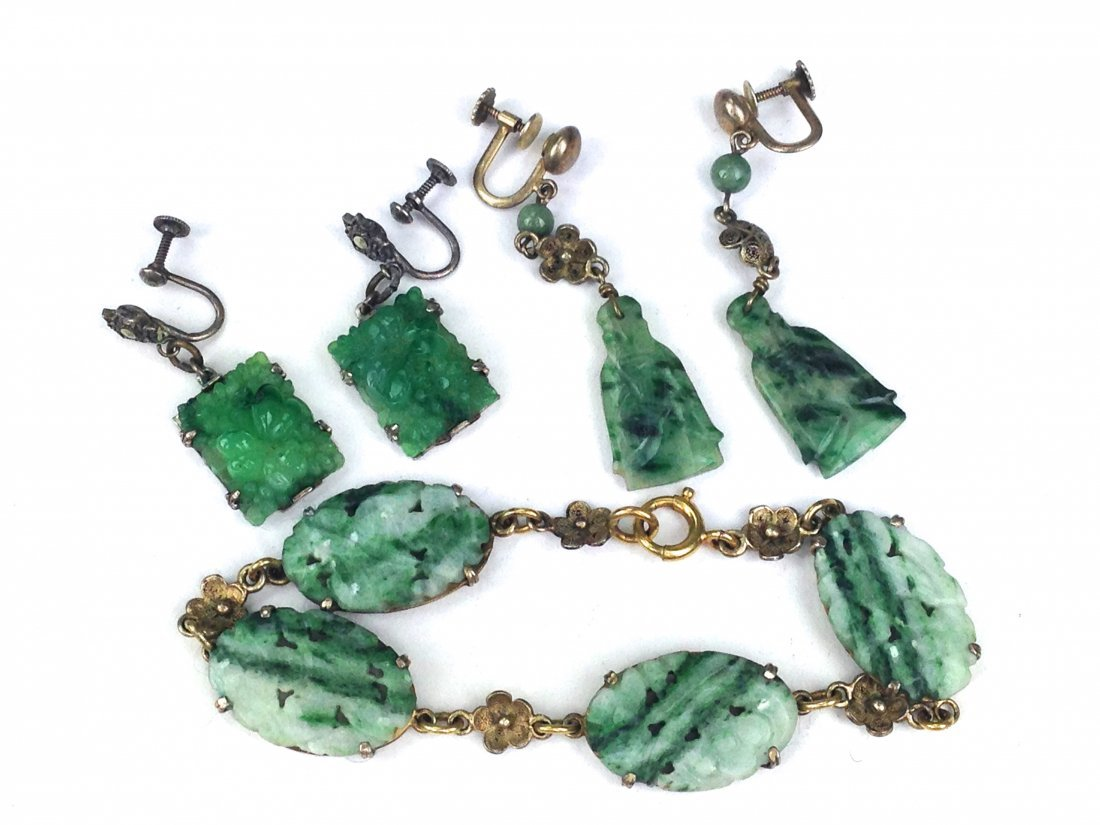 lot of assorted ca. 1900 Chinese spinach jade jewelry