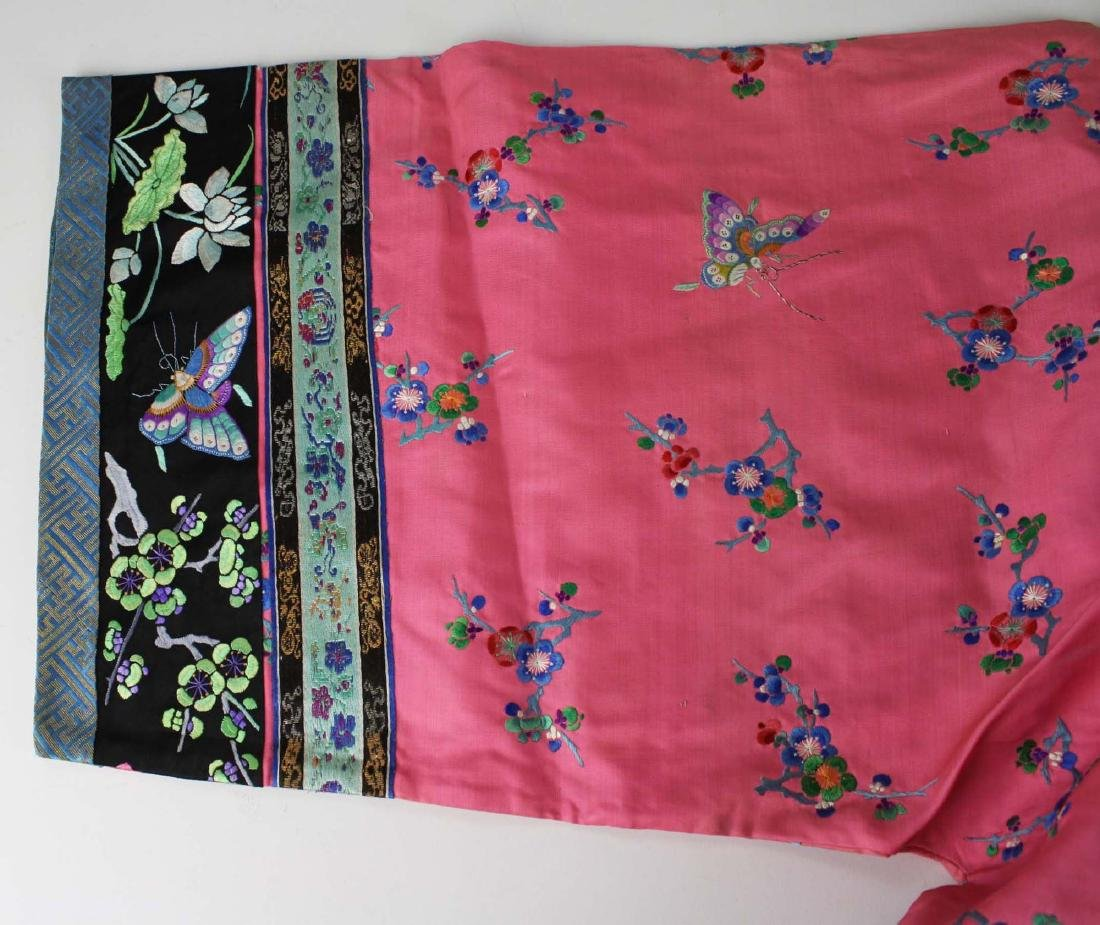 19th c Chinese embroidered pink silk robe. - 4
