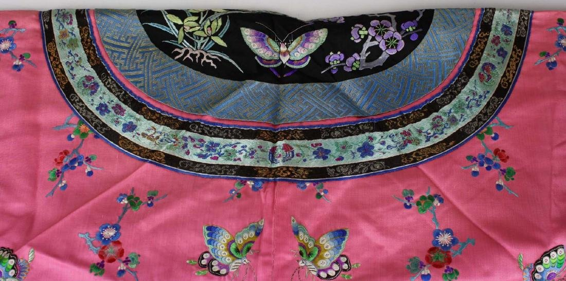 19th c Chinese embroidered pink silk robe. - 5