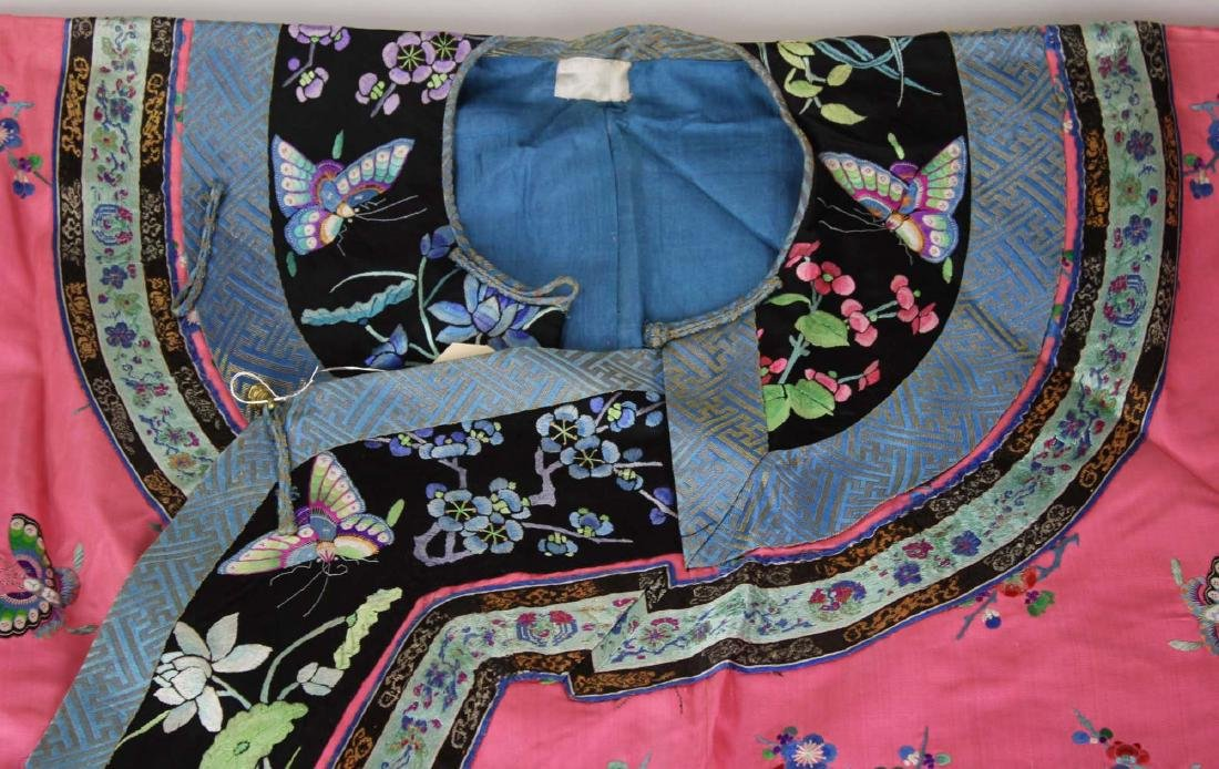 19th c Chinese embroidered pink silk robe. - 8