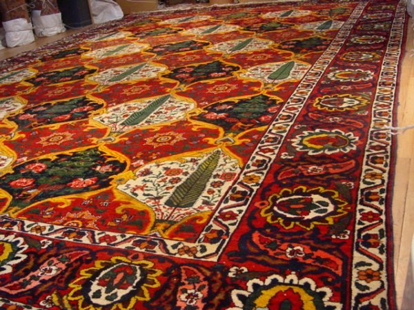 3: Antique Bakhtiary / Rug Number 108173