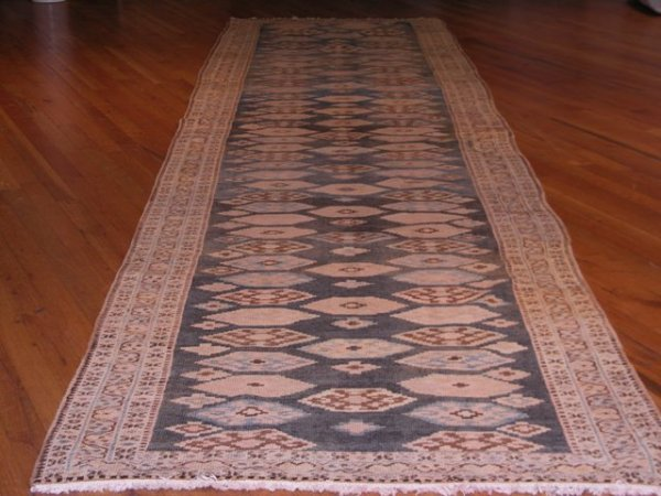 8: Antique Heriz / Rug Number 201801