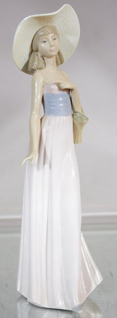 Lladro Figure of Lady with Hat