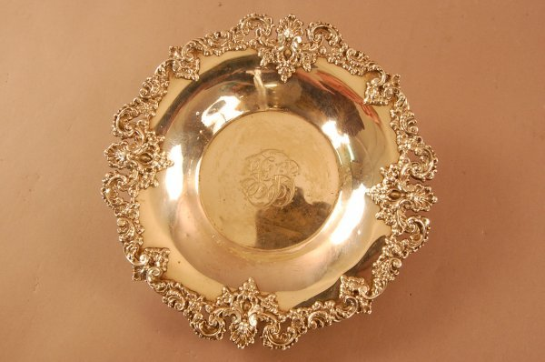 7: Howard & Co. Sterling Silver Bowl. Applied Shell and