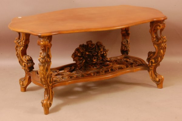 396: Rococo Victorian Style Coffee Table With Floral Ca