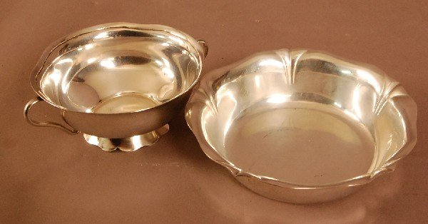 "24: 2 Sterling Silver Bowls 6"" w x 5"" w  apprx. Weight"