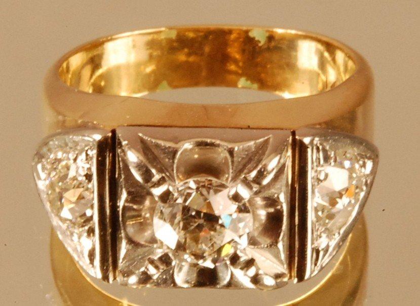 22: Gentlemens 14 K. Yellow Gold Ring