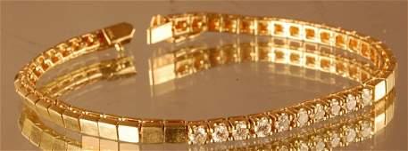 32: Ladies Diamond Bracelet