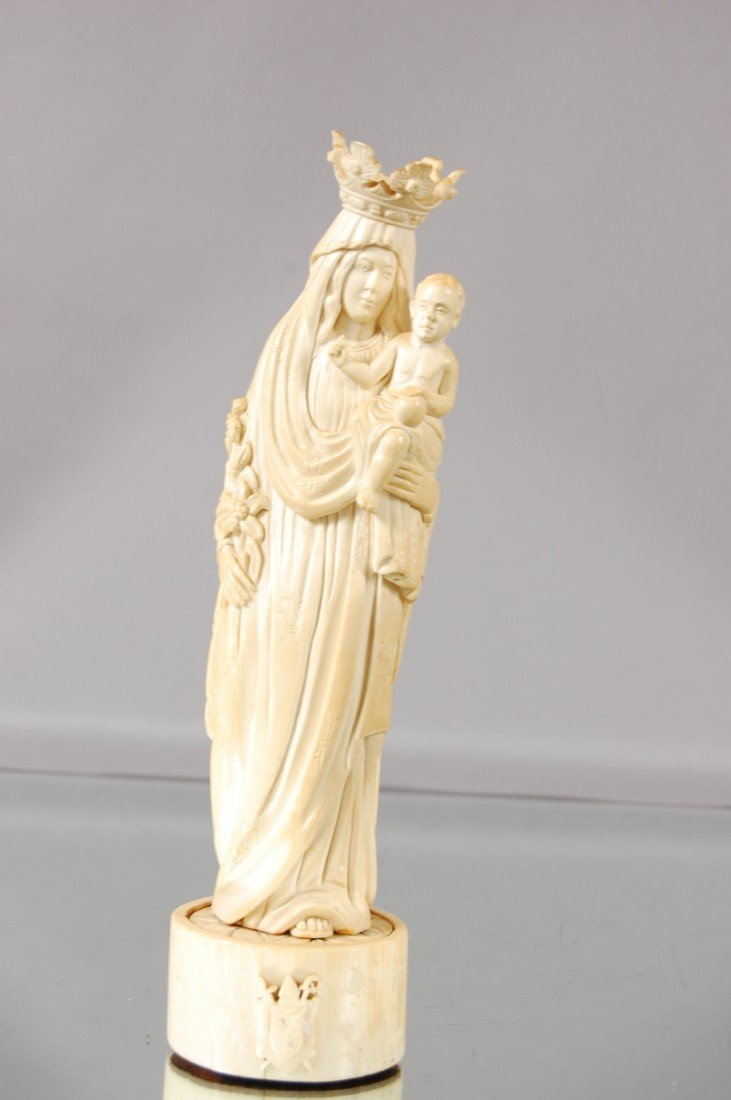 157: Early Ivory Statue of Mother & Child