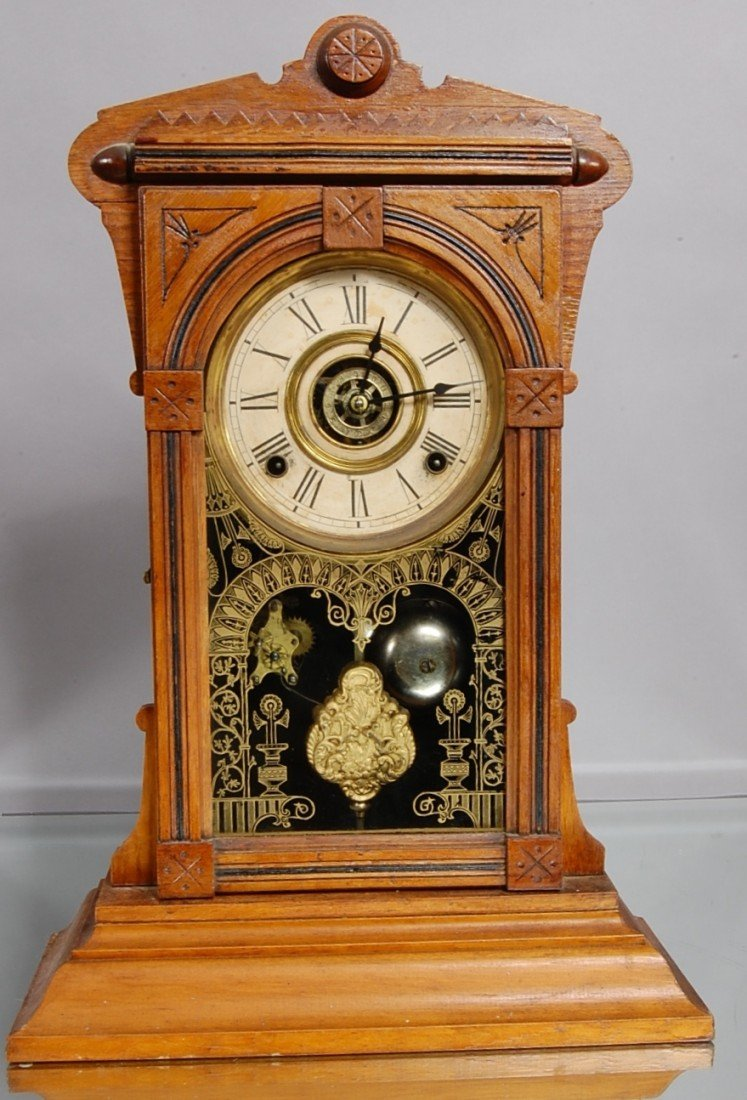 24: W.L. Gilbert Victorian shelf clock