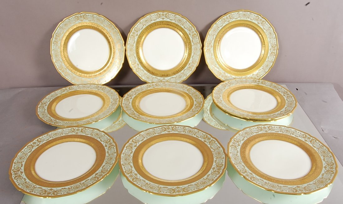 10 Royal Doulton decorated dinner plates