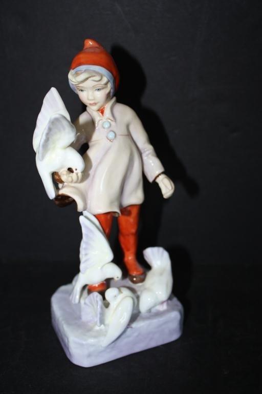 5: Royal Worcester Figurine November 3418