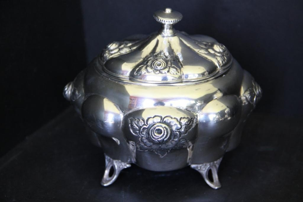 6: Art Nouveau Vanity Container in .800 Silver