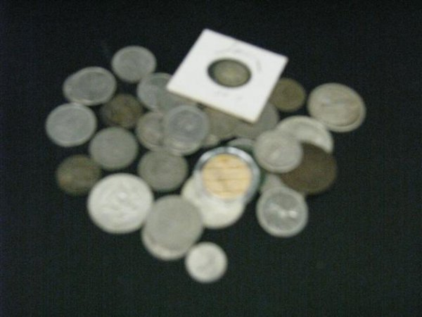 22: Coins, Estate Lot, U.S. and Foreign, Approx. 33, So