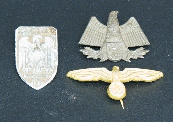 5: German Medals and Pin Backs, 3, (A) Gilt German Eagl