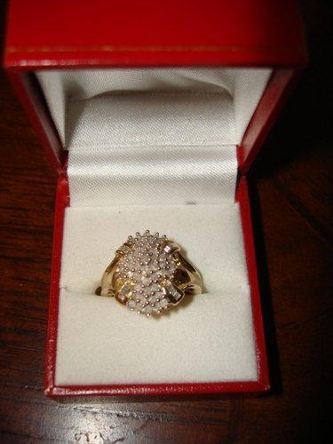 251: Ladies 10K Yellow Gold Diamond Ring