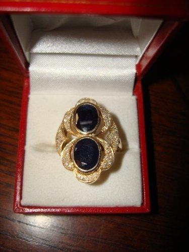 14: Ladies Ring 10K Yellow Gold Blue Sapphire & Diamond