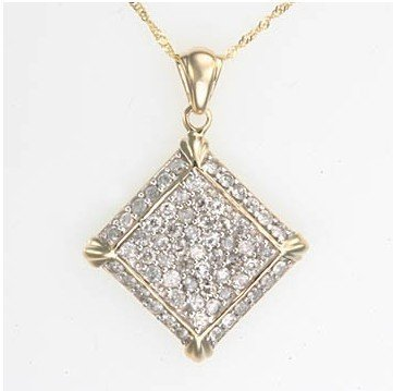 4: 1.25 ctw. Diamond Pedant & Chain Necklace in 10K Gol