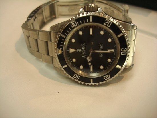 1Q: Men's Rolex Oyster Perpetual Submariner