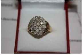 680: 524A: Ladies 10k Diamond Ring