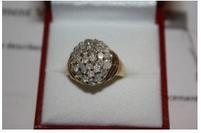680: 524A: Ladies 10k Diamond Ring