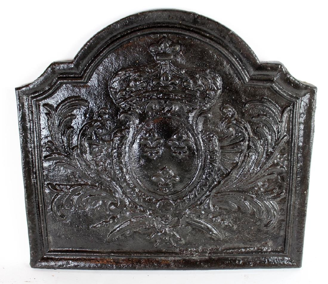 Antique French cast iron fireback with crown - 4