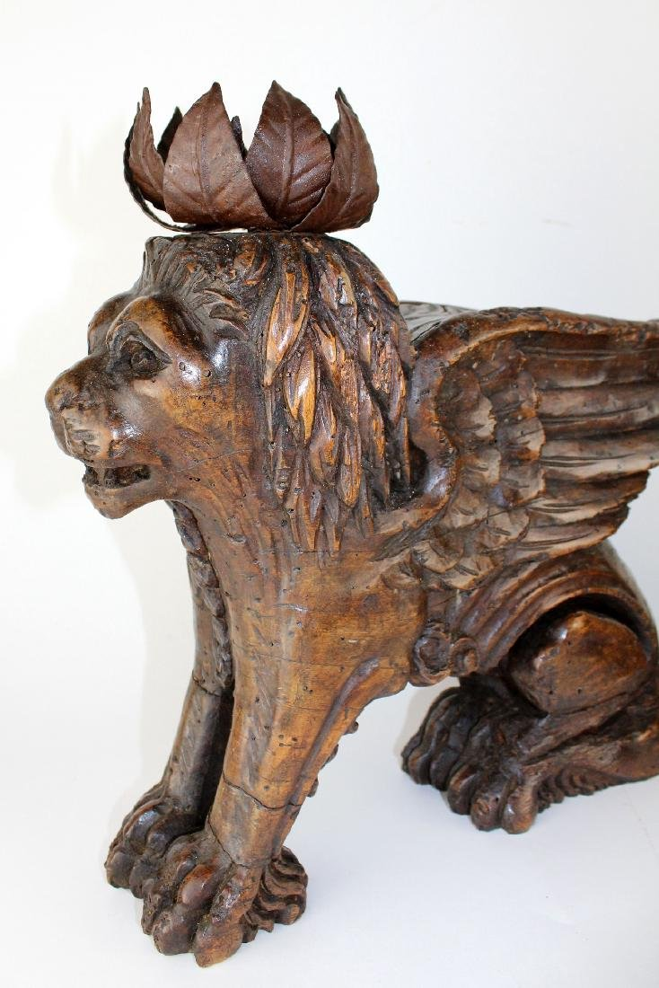 Pair of antique carved San Marco lions - 4