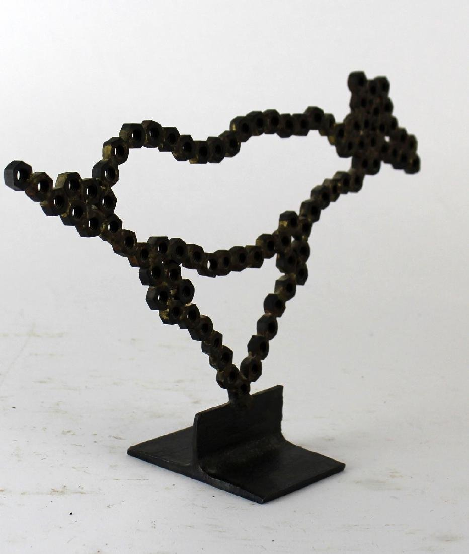 Horse sculpture made from bolts - 3