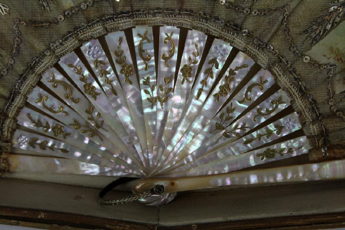 Victorian fan with mother of pearl handle - 4