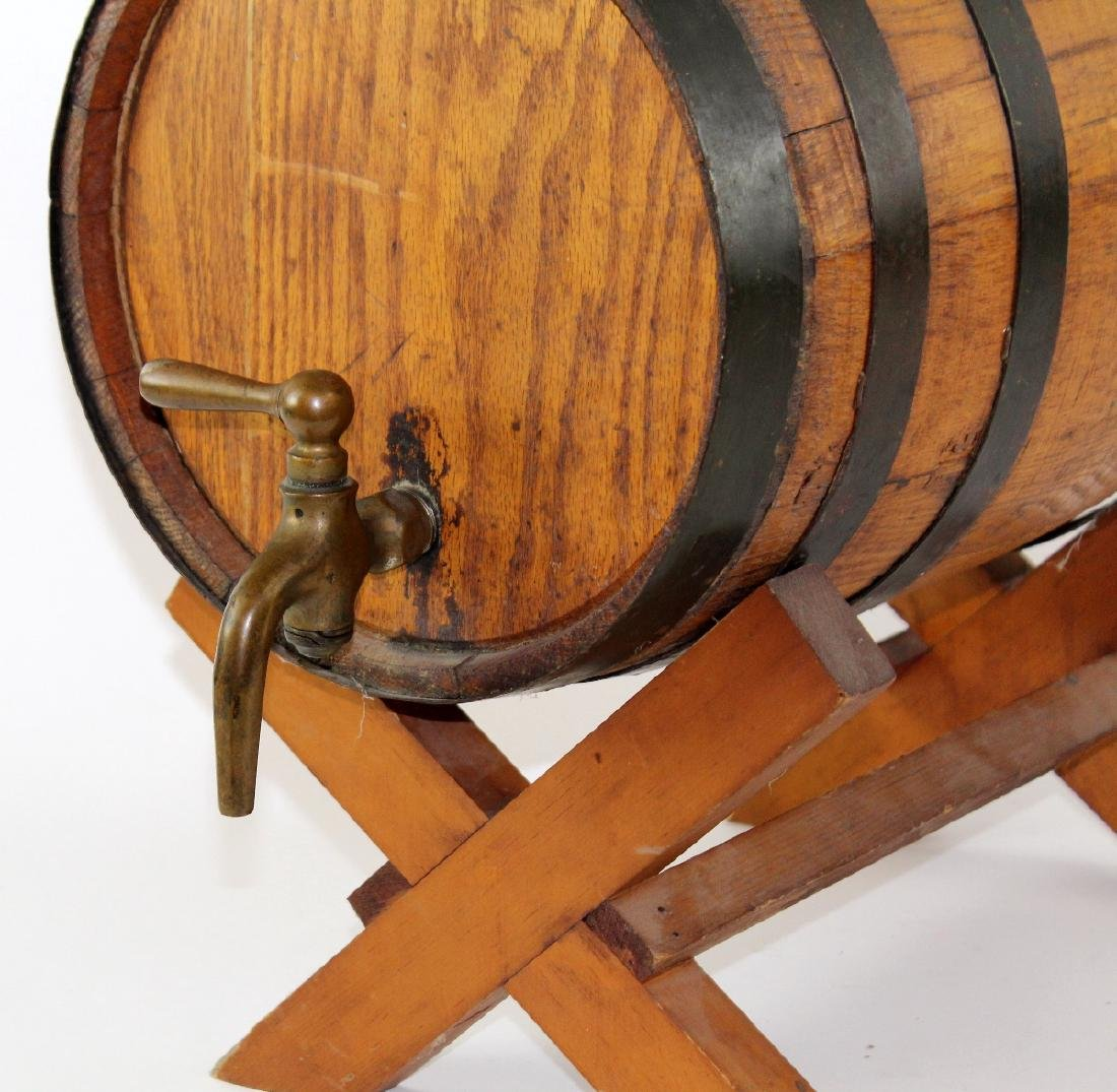Oak barrel on stand - 3