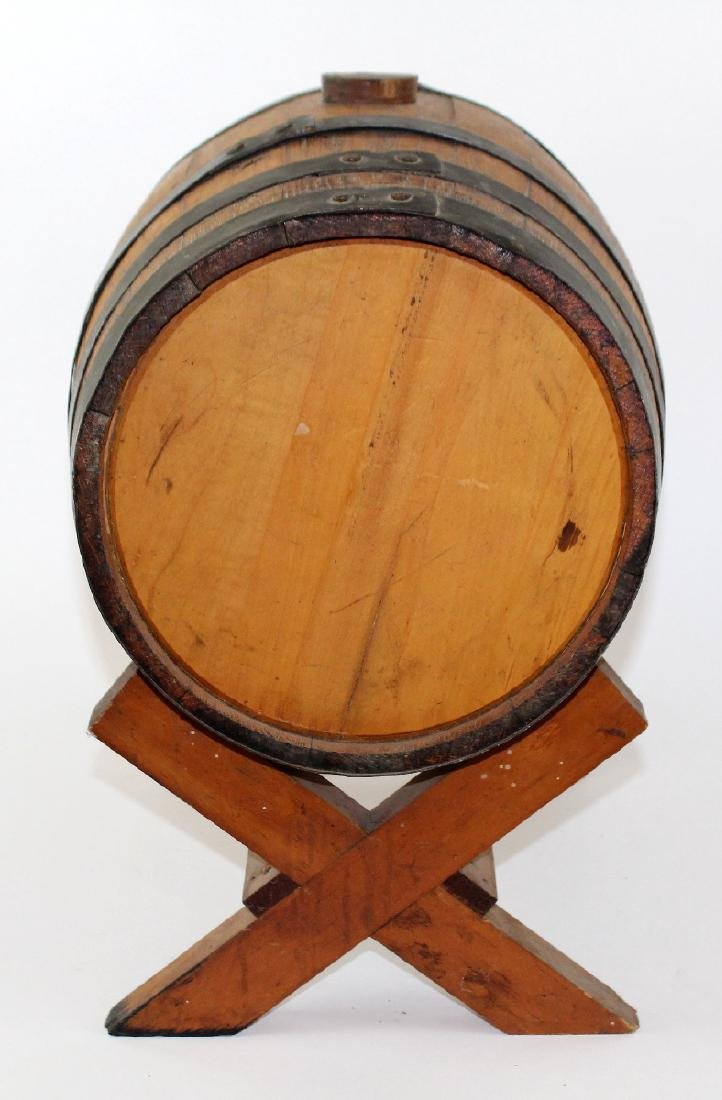 Oak barrel on stand - 6