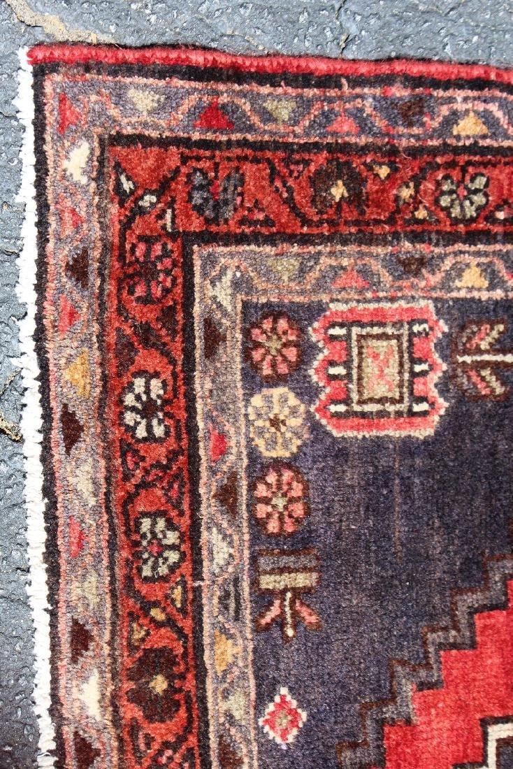 "3'8"" x 9'10"" Persian wool runner - 3"