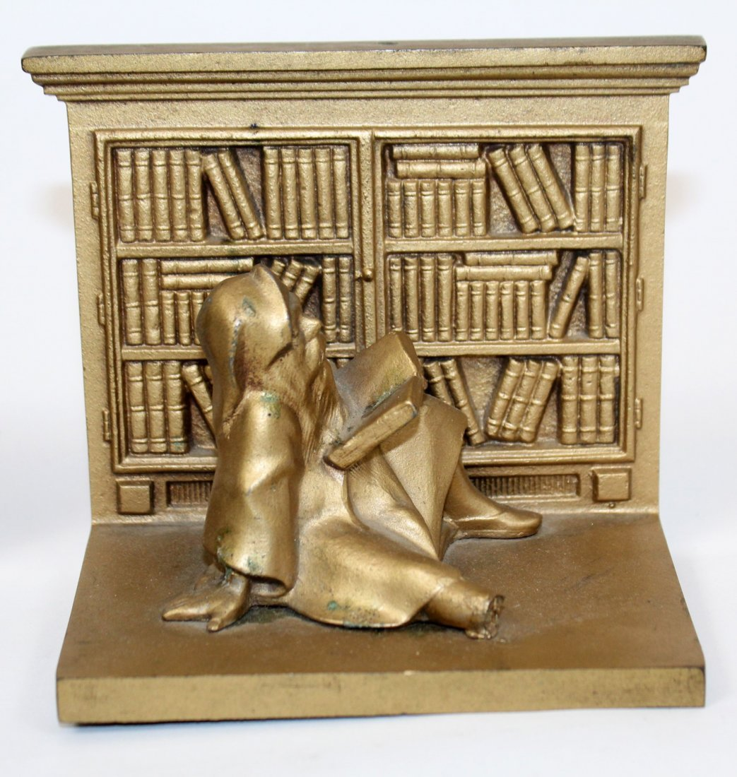 Pair Bradley & Hubbard library bookends with gnomes - 2