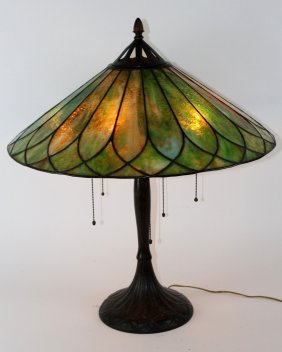Handel leaded glass table lamp