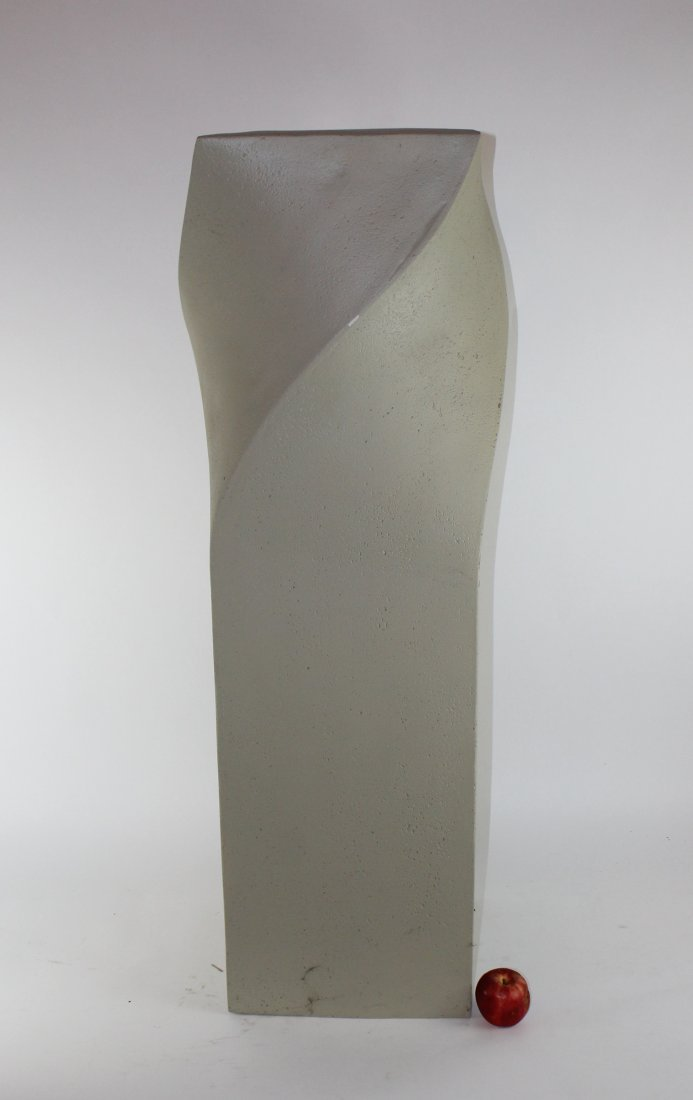 Modern cast twist pedestal