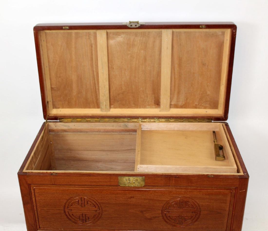 Vintage oriental mahogany trunk - 2