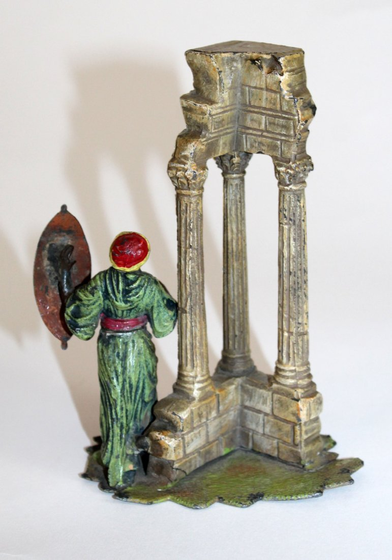 Polychrome bronze figurine with ruins - 2