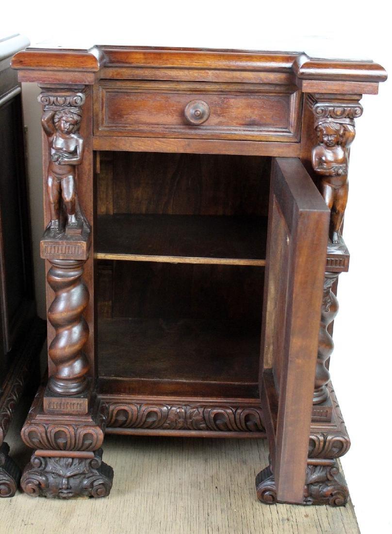 Pair of Italian Renaissance nightstands - 4